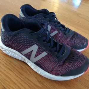 New Balance Running Shoes (Youth 2.5)